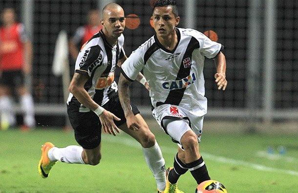 """Vasco da Gama con el peruano Yotún jugará ante Gremio otra """"final"""" en su objetivo de permanecer en la Serie A del campeonato brasileño."""