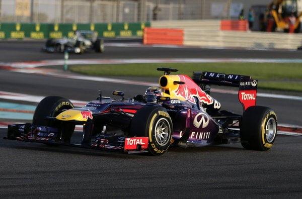 Sebastian Vettel igualó el record de su compatriota Schumacher al  ganar su séptima carrera consecutiva en una misma temporada.