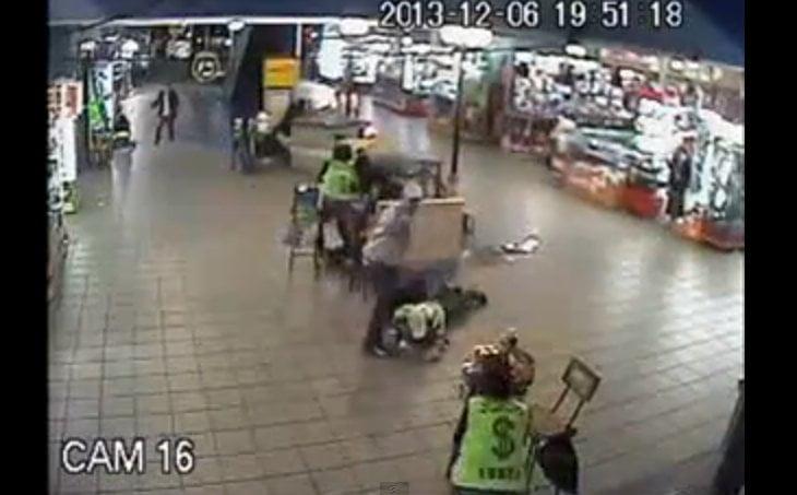 [VIDEO] Cámaras captan violento asalto a cambistas en Polvos Azules