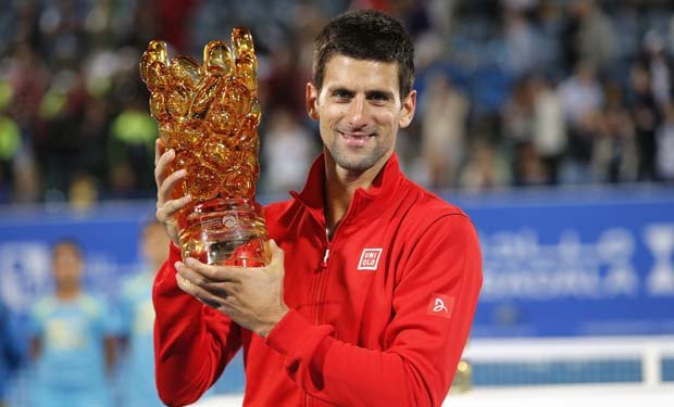 Djokovic ganó por tercera vez el torneo de exhibición en Abu Dhabi.