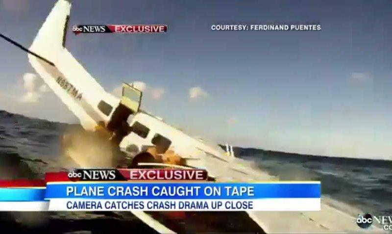 [VIDEO] Impactante: Hombre se estrella en un avión y graba todo en video