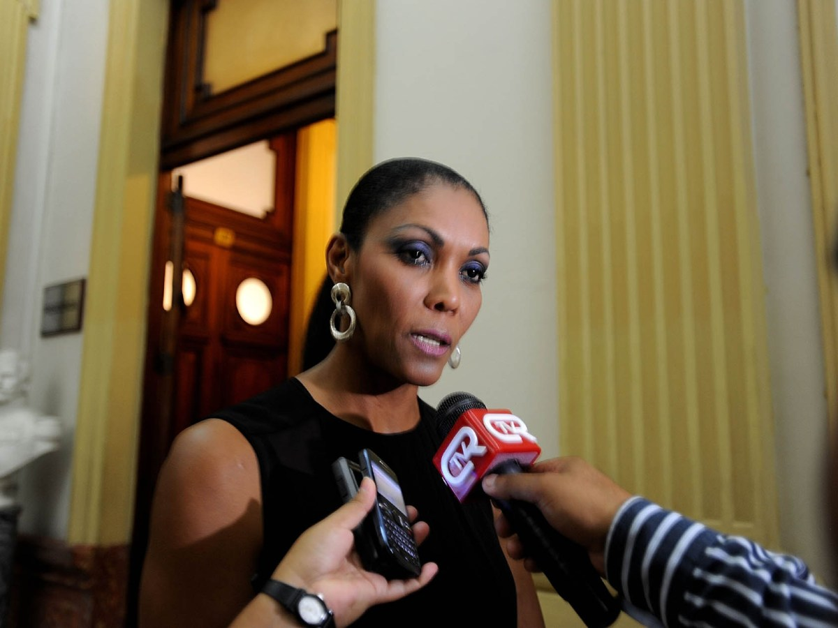 Cenaida Uribe: Comisión de Ética recomienda suspenderla por 120 días