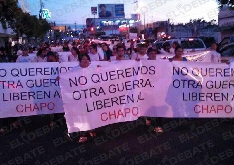 Foto Twitter / Piden liberar al 'Chapo' Guzmán con masiva marcha en Culiacán
