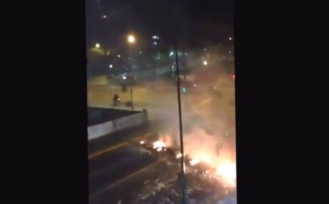 [VIDEO] Venezuela: Denuncian que Tupamaros actúan con armas contra manifestantes