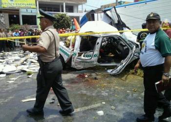 Foto Twitter / Ventanilla: Suman nueve los muertos por choque de trailer contra vehículos