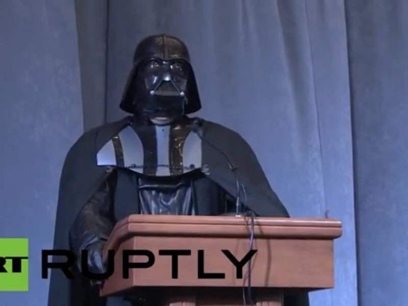 [VIDEO] Darth Vader será candidato a la presidencia de Ucrania
