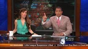 [VIDEO] Fuerte temblor asusta a periodistas en pleno noticiero en vivo
