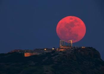 [VIDEO] La Luna se verá de color sangre por eclipse entre lunes y martes