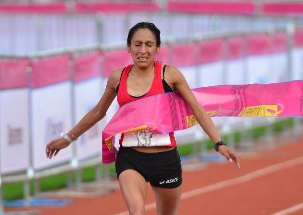 Gladys Tejeda logró nuevo record nacional en Media Maratón.