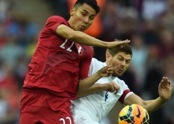 Pese a la goleada de Inglaterra sobre Perú, Jean Deza fue el más regular del combinado nacional.