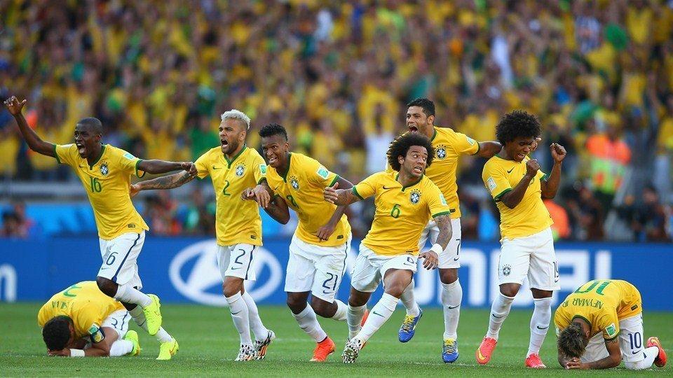 Brasil sufrió ante Chile pero clasificó a los cuartos de final por la vía de penal.