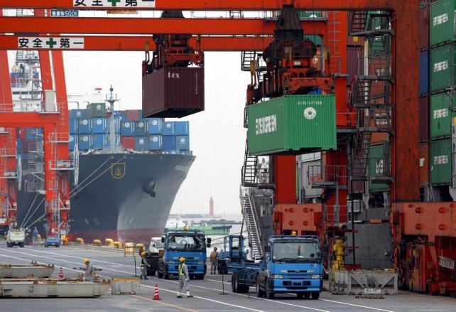 El envío de manufacturas nacional al exterior generó una leve caída durante los primeros tres meses del año.