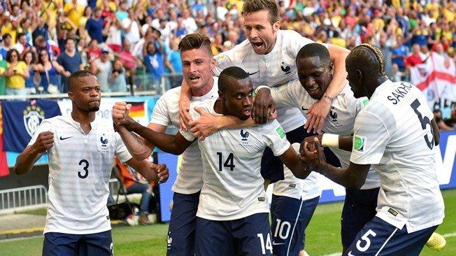 """Francia celebra su supremacía en el Grupo """"E"""" de Brasil 2014."""