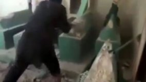 [VIDEO] Tumba sagrada del profeta Jonás destruida a mazazos por terroristas yihadistas