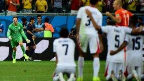 Krul entró sólo para los penales y puso a Holanda en semifinales. Costa Rica se fue entre merecidos aplausos.