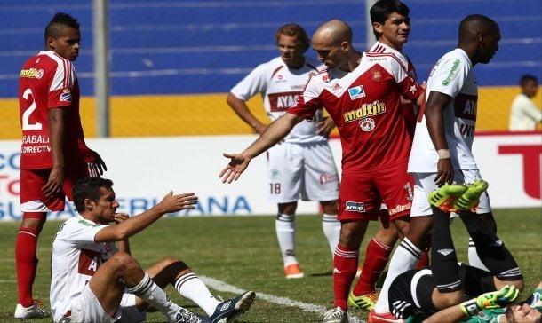 Inti Gas nuevamente decepcionó en una Copa Internacional.