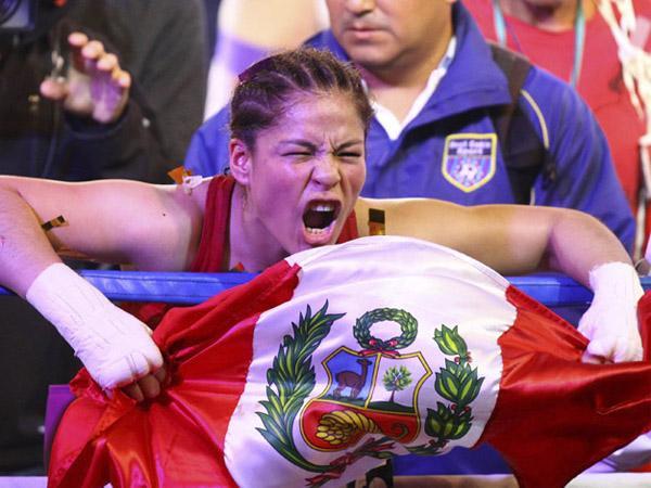 DUEÑA DEL CINTURÓN. Lecca nuevamente la hizo Linda al retener su título mundial Supermosca de Box.