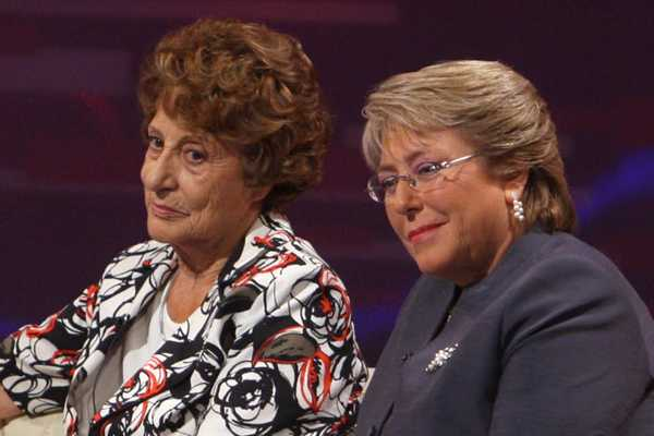 Madre de presidenta Bachelet estaba en zona de atentado en Santiago