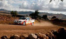 La más importante competencia de automovilismo peruano si inició hoy con siete categorías.