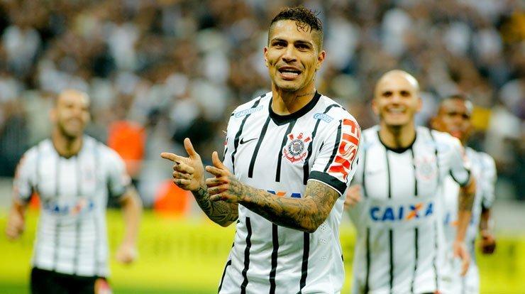 Paolo Guerrero fue figura en el partido que su equipo Corinthians derrotó al Sao Paolo de Kaká.