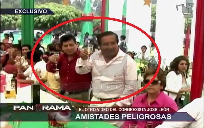 [VIDEO] Congresista León departe con uno los Sánchez Paredes acusado de narcotráfico