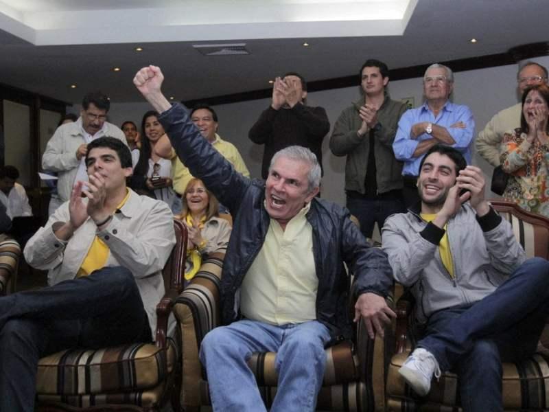 Castañeda 50.7%, Cornejo 17.7% y Villarán 10.6%, según ONPE al 100%