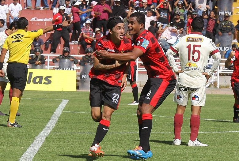 Gracias al gol del colombiano Fernández, Melgar continúa liderando el Clausura de forma solitaria.