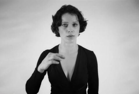 [VIDEO] Increíble: Esta mujer canta y emite dos voces a la vez