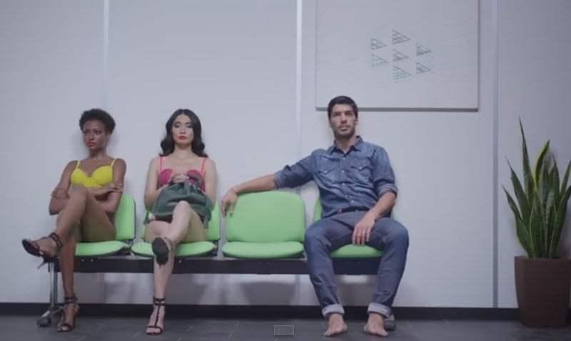 [VIDEO] Luis Suárez y las estrellas del Barça en atrevido y sensual spot