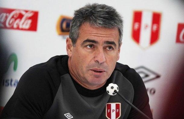 El técnico de la selección llamó a 22 futbolistas para los encuentros amistosos contra Paraguay.