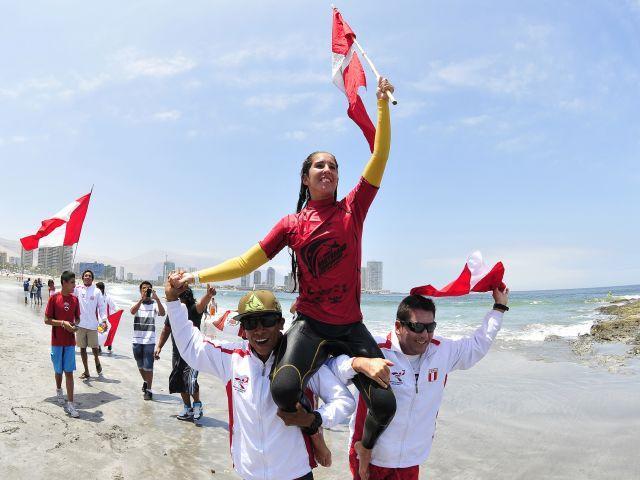 El surf peruano se alzó con otro título mundial gracias a Carolina Botteri.