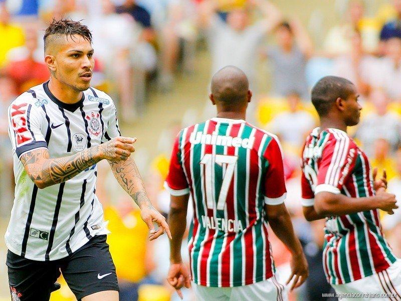 """Paolo Guerrero anotó en la derrota del Corinthians contra Fluminense, pero pese a ello el """"Timao"""" logró clasificar a la Copa Libertadores."""