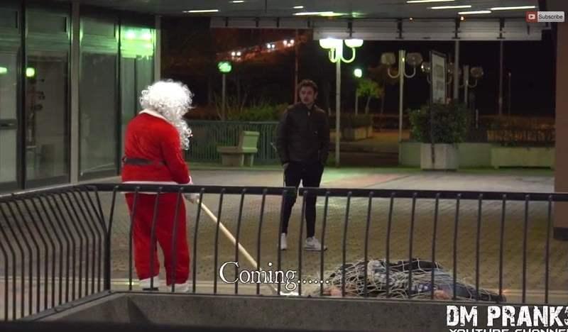 [VIDEO] Una aterradora broma con Papa Noel es viral en YouTube