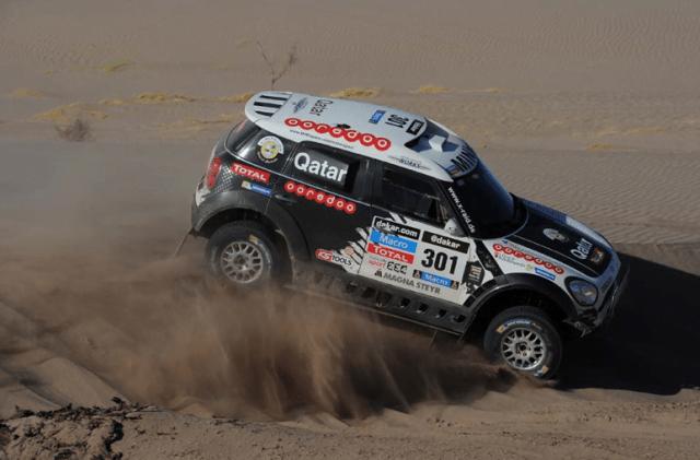 El catarí Nasser Al-Attiyah lidera el Dakar en autos.