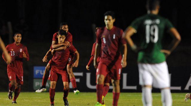 Perú consiguió una victoria importante aunque aún marcha fuera de la zona de clasificación para la segunda ronda.