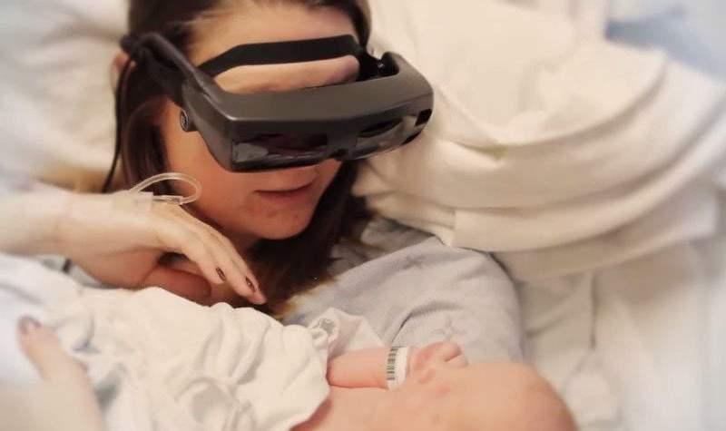 Mujer invidente vio a su bebé por primera vez