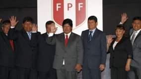 Edwin Oviedo y su directiva juramentaron como nuevas autoridades de la FPF.