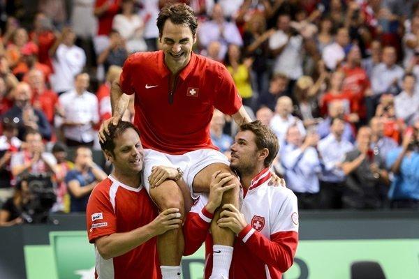 El año pasado, Roger Federer logró el punto que le dio la Copa Davis a Suiza.