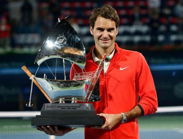 Federer campeonó en Dubái 2015 teniendo como aliado a su servicio