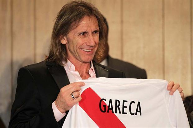 Ricardo Gareca llegó hoy a Lima y fue presentado como DT de la selección de Perú.