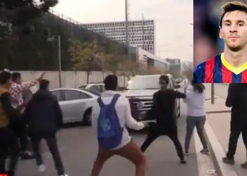 Lionel Messi casi atropella a hinchas con su Cadillac [VIDEO]