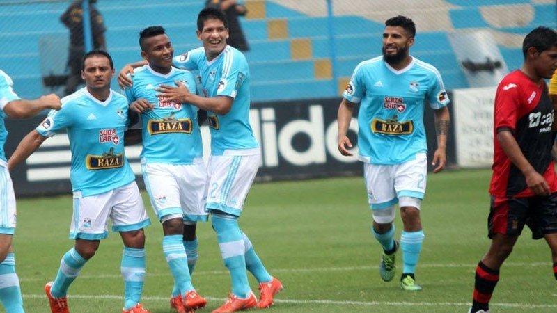Sporting Cristal lidera en solitario su grupo