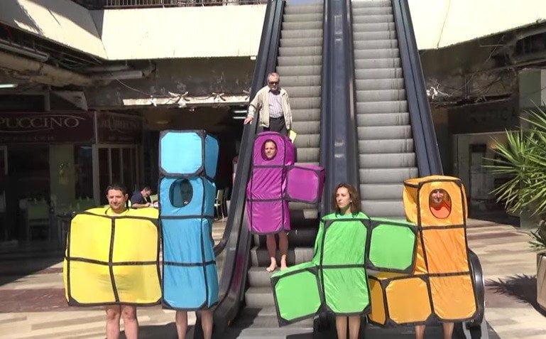 YouTube: El Tetris humano, un juego en la vida real [VIDEO]