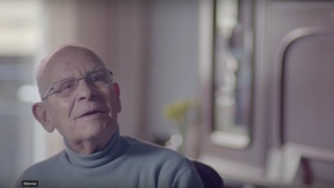 Impactante: Batalla contra el Alzheimer a través del fútbol [VIDEO]