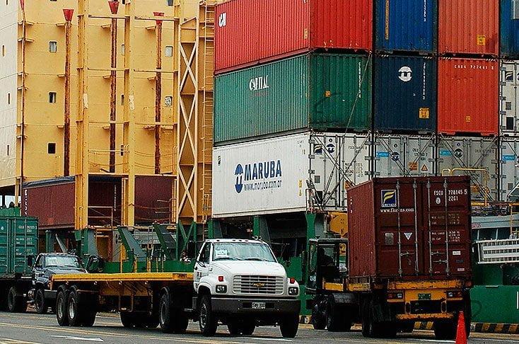 Entre enero y abril se despacharon al exterior 14 rubros de productos químicos.