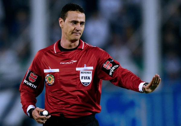 El colombiano Roldán arbitrará el Perú vs Bolivia en Temuco.