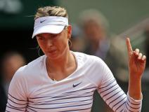 La vigente campeona de París, María Sharapova, fue eliminada de París.