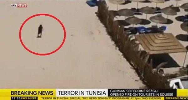 Terrorista recorrió playa con fusil tras matar a turistas en Túnez [VIDEO]