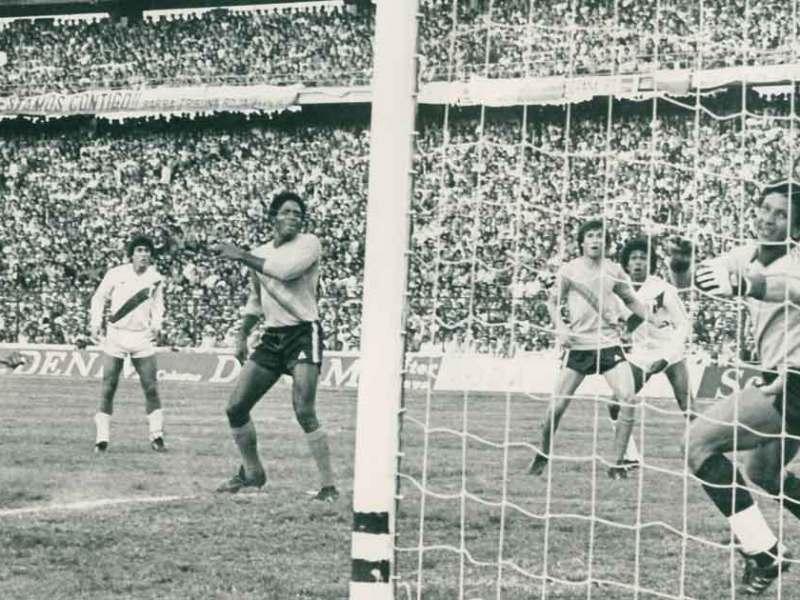 España 82 fue el último mundial de una selección peruana y para clasificar a dicho evento se  logró derrotar 2-0 a Colombia en uno de los partidos.