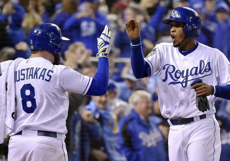 La novena de los Royals hizo su tarea en casa al ganar los dos primeros encuentros ante los Mets.